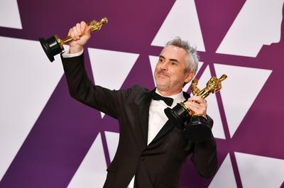 Alfonso Cuarón.  Ayer obtuvo tres estatuillas por Roma, Mejor Director, fotografía y Película en lengua extranjera, que se suman al que ya tenía por Gravity, por Mejor Director, haciendo un total de cuatro premios Oscar.