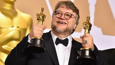 Guillermo del Toro. Ganó el Oscar a Mejor película y a Mejor director por La forma del agua. La película se llevó un total de cuatro estatuillas, incluidas Mejor banda sonora (Alexandre Desplat) y Mejor diseño de producción (Paul D. Austerberry, Jeffrey A. Melvin y Shane Vieau).