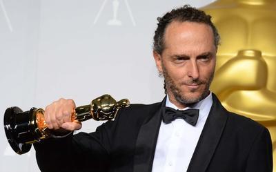 Emilio Lubezki.  es ganador de tres premios Oscar a Mejor fotografía, por Gravity  en 2014, por Birdman en 2015 y por The Revenant  en 2016.