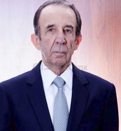 Manuel Arango. Es ganador del Oscar a Mejor cortometraje documental y a Mejor cortometraje por Centinelas del silencio en 1971. Esta fue la única ocasión en la que un mismo cortometraje ganó en ambas categorías.