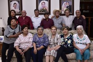 24022019 EMOTIVO REENCUENTRO.  Exalumnos de la tercera generación 59 - 62' de la Escuela Secundaria por Cooperación de Matamoros, Coahuila.