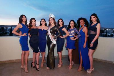 Las candidatas junto a Giselle Nuñez, Miss Global 2018.