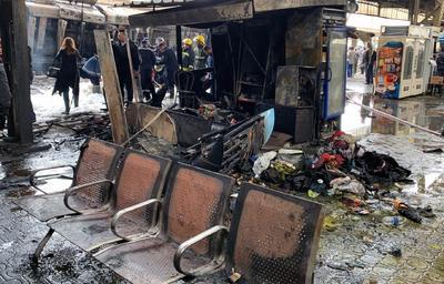 Después de la fuerte explosión, hubo personas que corrieron envueltas en fuego, por los andenes al aire libre, según vídeos difundidos por medios egipcios.