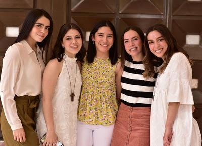 Natalia, Daniela, Ana Carmen, Luisa y Fernanda.