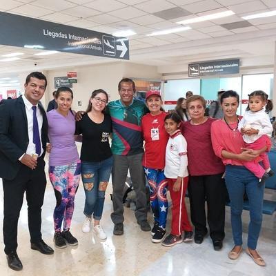 Carlos Francisco, Rocío, Agos, Carlos Bernardo, Yolanda, Jazmín, María Estela, Erika y Emma.