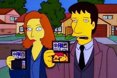 Los agentes Mulder y Scully, de los Expedientes Secretos X tuvieron la aparicióne en el mismo episodio que el difunto actor Leonard Nimoy.