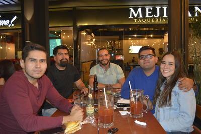 Alex Rodríguez , Luis Jáquez, Humberto Flores, Alejandro Galindo y Claudia Flores.