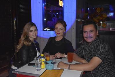 María Paula Fragoso, Yamile Siqueiros y Guillermo Lugo.