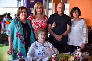 30032019 Esther, Olga, Salvador, Rosario y Olga.