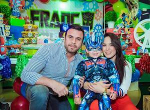 Franco con sus papás, Daniel de Anda y Karen Domínguez