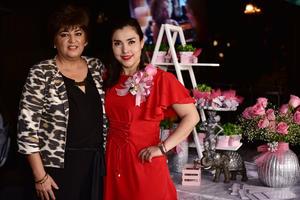 Areli con Becky Lozano de Dbinion