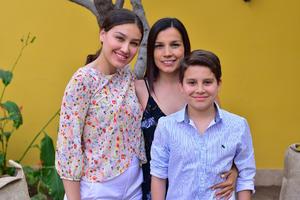 Ana Paula, Lucy y Mario