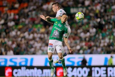 """Fue un doblete de Ángel Mena y el remate de Tesillo de último minuto el que le negó a los comandados por """"Chava"""" Reyes poder asegurar -un poco más- su participación en la liguilla."""