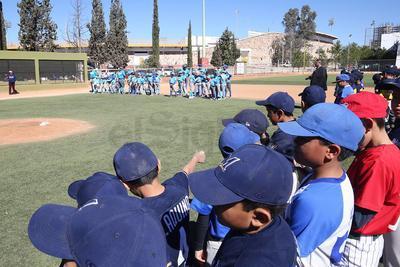 La Academia de Beisbol Royals de Torreón, Coahuila, viajó a Durango para enfrentar a combinados locales.