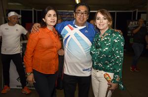 04032019 FERIA DEPORTIVA.  Celia, Roberto y Susy.