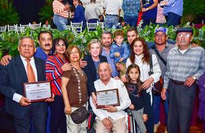02032019 MERECIDO RECONOCIMIENTO.  En la ceremonia de entrega de preseas Ciudadanos distinguidos de Matamoros, Coahuila, a Fernando Rangel de León y Ernesto Domínguez Ayup.