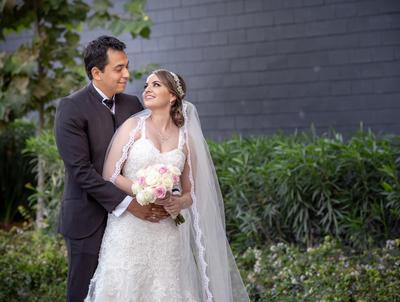 03032019 A cuatro meses de convertirse en marido y mujer, Edgar Patricio Luján Gómez y Mayela Talamantes Valdivia, celebran su amor.