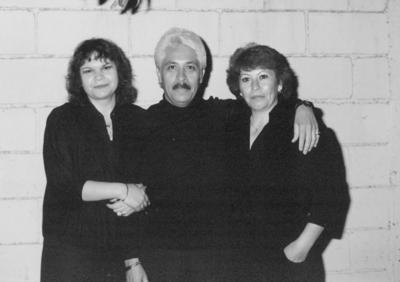 03032019 Delia, Daniel y Lita, hace algunos años.