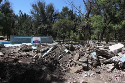 Jesús Frías Morales, consejero del Instituto Municipal de Planeación y ambientalista lamentó que la fuente se haya destruido por completo.
