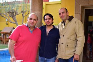 07032019 EN EL CUMPLEAñOS DE OLIVIA.  Fran, Nito y Carlos.