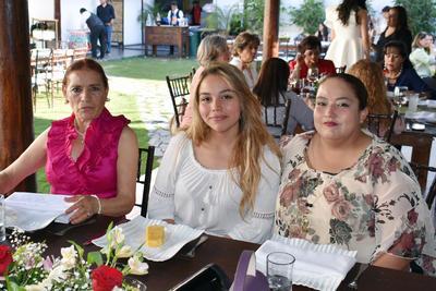 07032019 Elvia, Jennifer y Dora Hilda.