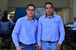07032019 Carlos y Aarón.