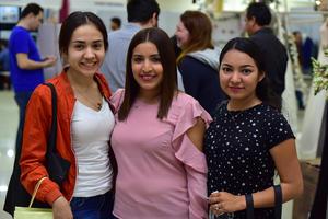 07032019 PRESENTES EN EXPO NUPCIAL.  Mirna, Yezelni y Zayra.