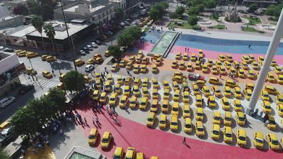 Exigieron al alcalde Jorge Zermeño y al gobernador Riquelme Solís medidas contra estos servicios.