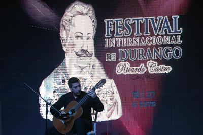 Este año participarán 200 artistas locales y 300 más provenientes de 10 estados de la República Mexicana y de 14 países.