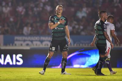 Julio Furch dio el primer gol para Santos Laguna.
