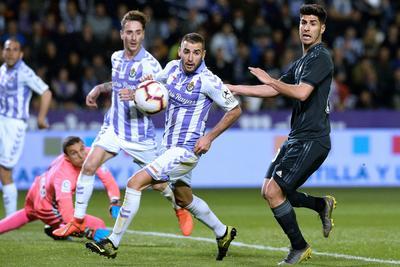 Real Madrid vence y da un suspiro a su afición
