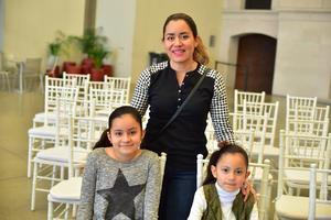 09032019 EN FAMILIA.  Frida Camila, Paula Regina y Nancy