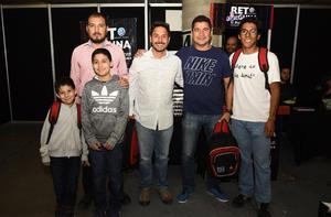 10032019 POSAN PARA LA FOTO.  Óscar, Eddy, Enrique, Lalo, Óscar jr. e Iker.