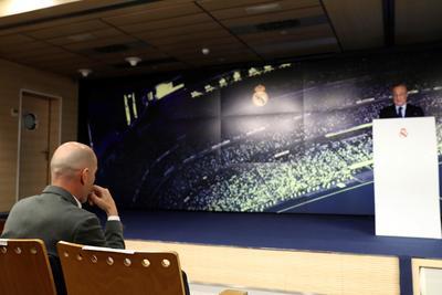 """""""Llega al Real Madrid de nuevo el mejor entrenador del mundo. Si vuelves a estar con nosotros es porque amas a este escudo y todo lo que representa para millones de aficionados."""""""