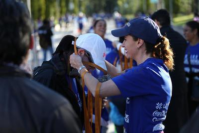 Tres familias se llevaron su trofeo al correr y convivir en la competencia.
