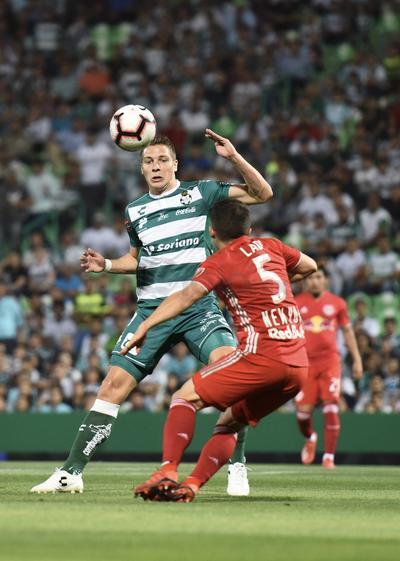 Santos golea y se mete a semifinales de Concachampions