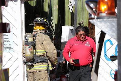 Elementos de Protección Civil Municipal arribaron al lugar para combatir el incendio.
