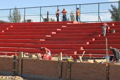 Fuentes extraoficiales comentaron que el estadio ya debe ser, como mínimo, de una capacidad de 10 mil espectadores.