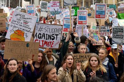 Jóvenes de todo el mundo salieron a las calles.