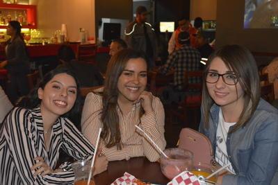 Rosa Quiroga, Jennelle Reyes y Elizabet Mathey.