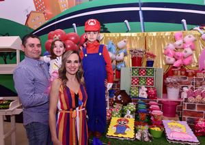 Alejandra y Jose Antonio con sus papáas, Jose Antonio Padrelin y Alejandra Sepulveda