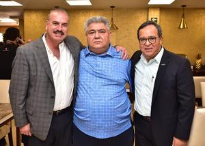 Arturo Salazar Moncayo, don Carlos Manuel Herrera Ale y Arturo Diaz