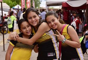 Nelida, Sara y Camila