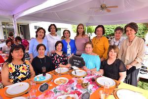 Beatriz, Paula, Licha, Ma. Eugenia, Magaly, Nena, Tere, Estelita, Irma, Paty y Kechu