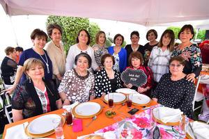 Elsita, Nena, Marycarmen, Estelita, Kiki, Susy, Lupita, Paty, Yolanda, Mariza, Sra. Lolita, Lupita y Licha