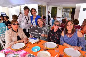 Magaly, Iliana, Charo, Licho, Chayo y Cristy