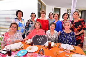 Martha, Tomate, Licha, Manis, Cristy, Chelo, Beatriz, Conchita, Caro, Gaby y Nena
