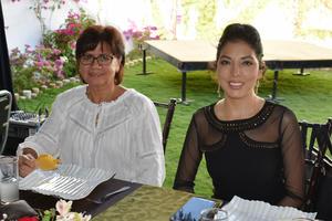 Carmen y Paola