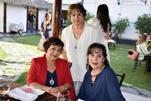 Mayela, Martha y Mayela