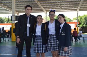 Jacobo, Regina, Alma e Isabela.JPG